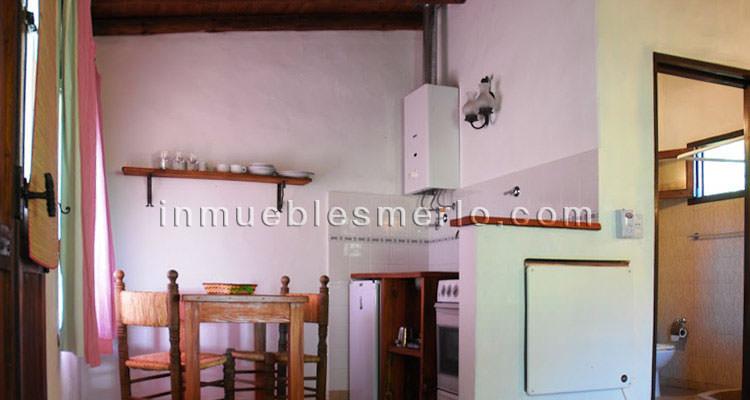 Espacio cocina comedor de cabañas mono-ambiente